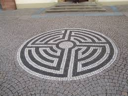 Tile Labyrinth