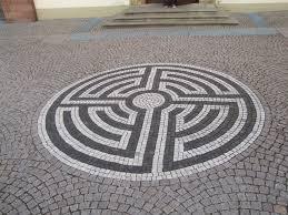 Tile Labyrinth
